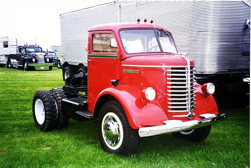 1942 Diamond T 612 SC Tractor