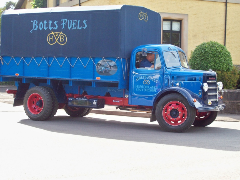 1943 Bedford OLBC 5 ton truck Beutifully preserved truck of Botts Fuels