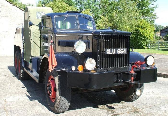 1943 Diamond T 1000