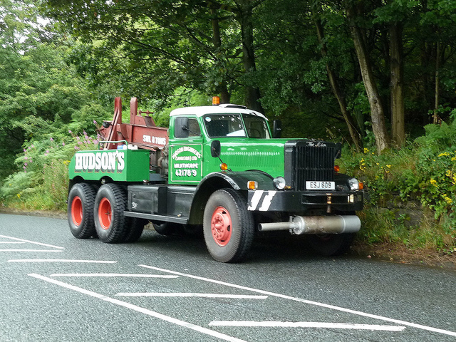 1945 Diamond T wrecker - Cummins 220