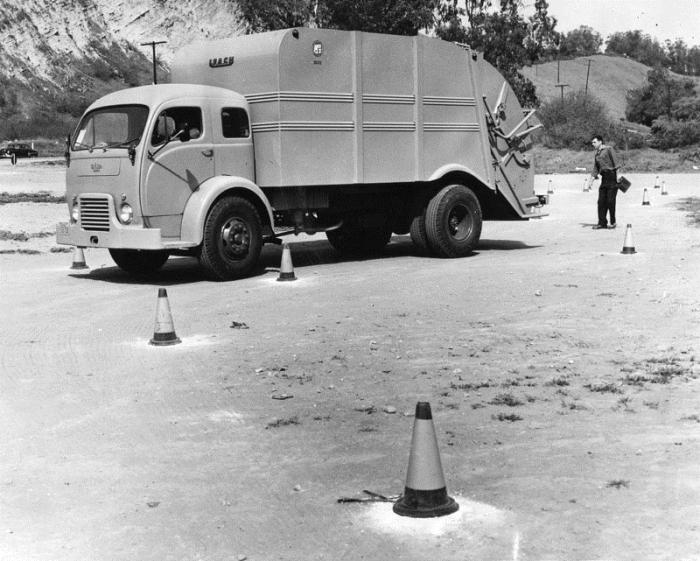 1947 Diamond T 910