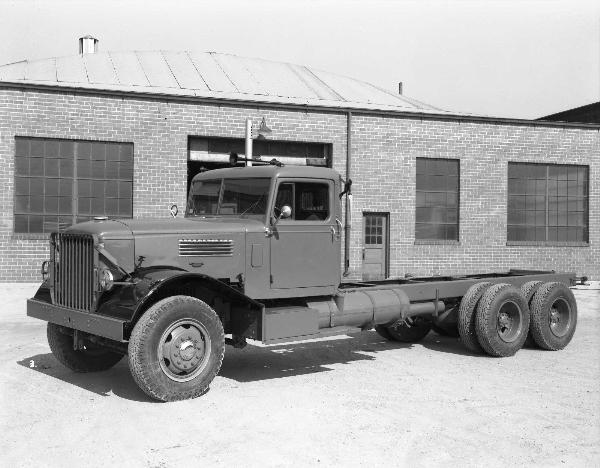 1947 Diamond T 910a