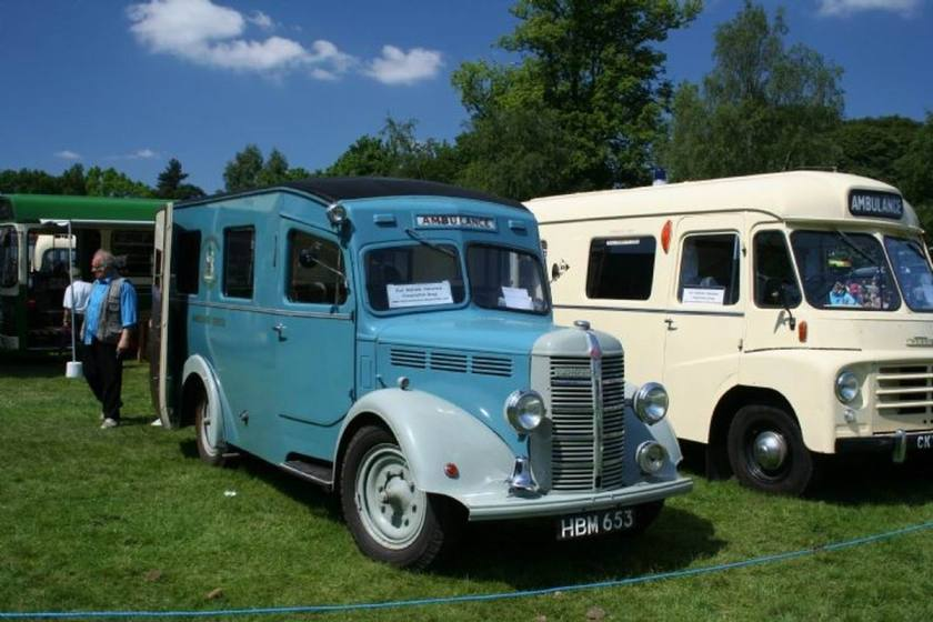 1948 Bedford & Morris oldtimers at a show