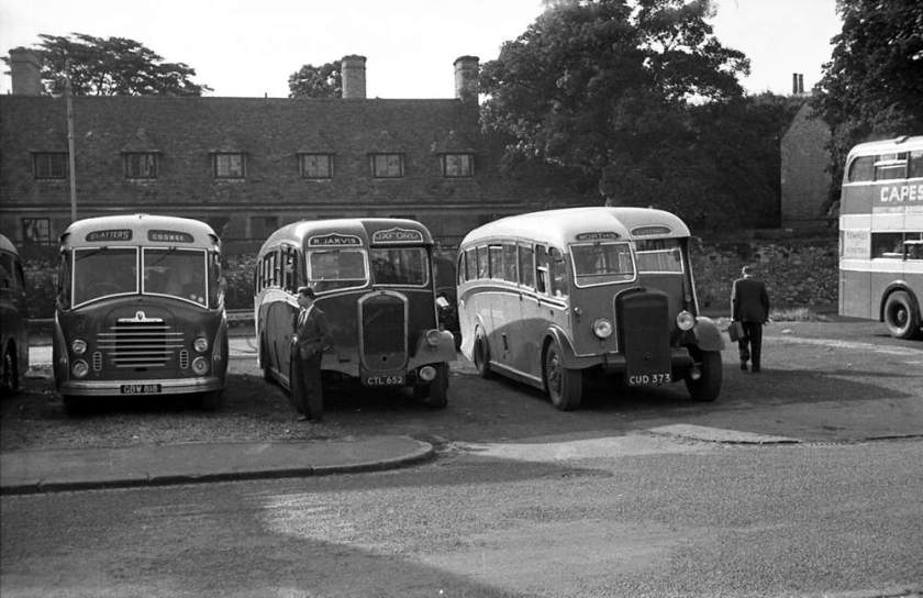 1948 CUD373, a Daimler CVD6 with Wilkes & Meade C33F body + CTL652, a Dennis Lancet III with a Yeates C35F body +