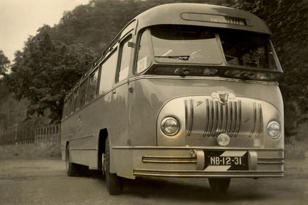 1951 Leyland Royal Tiger-toerwagen met een carrosserie van Zabo