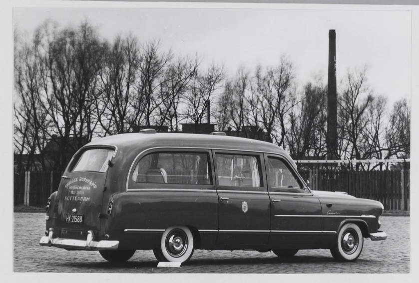 1952 Ford Customline ambulance carr. Visser Bornkamp R'dam