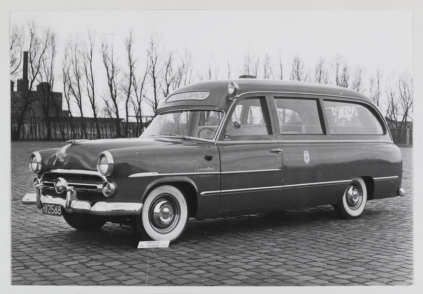 1952 Ford Customline ambulance carr. Visser HX-21588