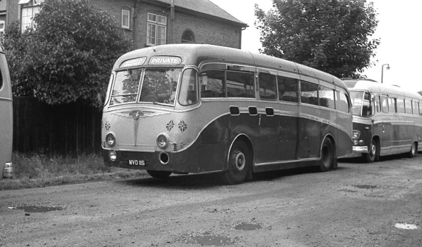 1952 MVO115 was a Yeates C41C bodied Leyland PSU1-15 Royal Tiger
