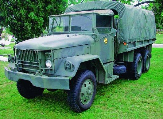 1952 REO М35, 6x6