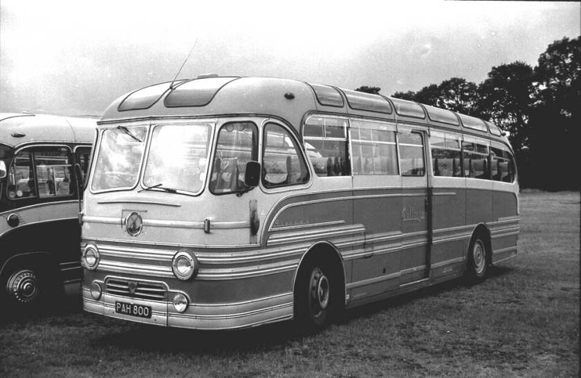 1953 A.E.C. 9822S Regal IV, PAH800, with a Yeates Riviera C41C body