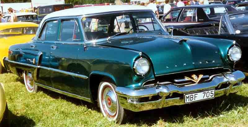 1953 Lincoln Capri sedan