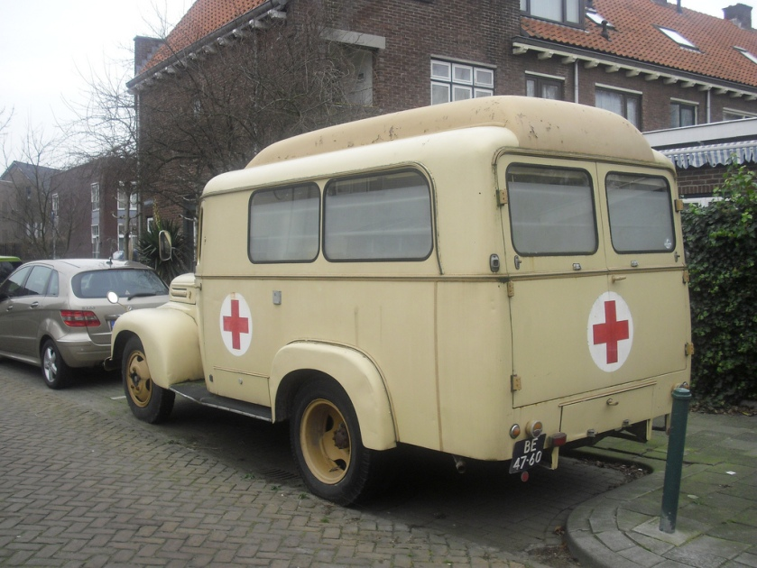 1954 BE-47-60 Ford G 39 F ambulance