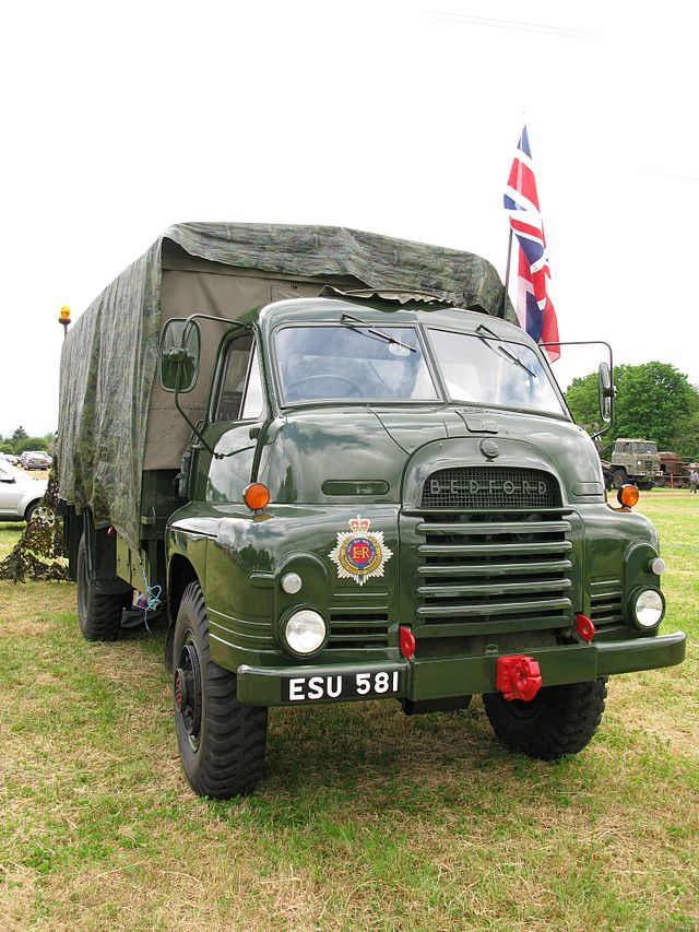 1954 Bedford RL greenred