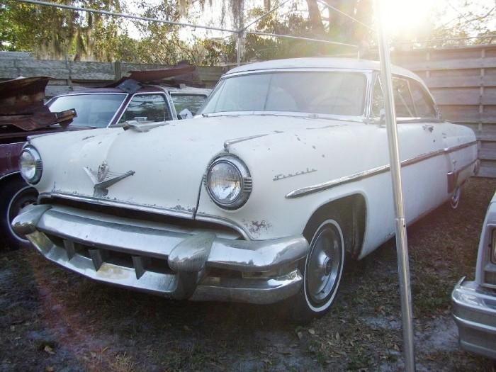 1954 Lincoln Capri (2)