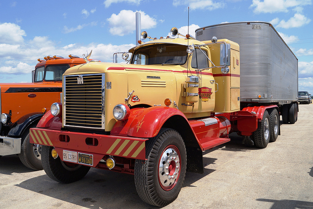 1955 International Truck Model RDF 405