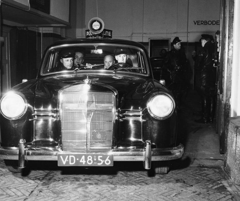 1956 Mercedes-Benz 180 Politiewagen VD-48-56