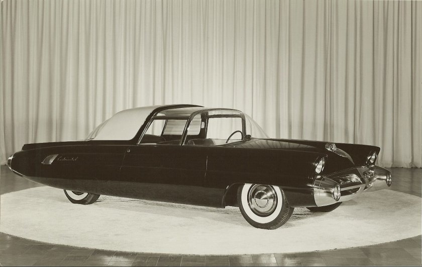 1957 LINCOLN Typhoon a