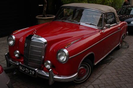1957 Mercedes-Benz 220 S Cabriolet  MJ-21-29