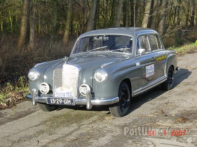 1958 Mercedes-Benz 220S Sedan