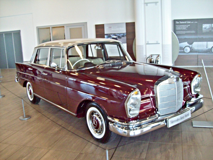 1959-65 Mercedes 220S Engine 2195cc S6