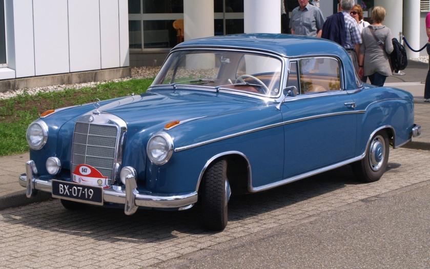 1960 Mercedes Benz 220 S a