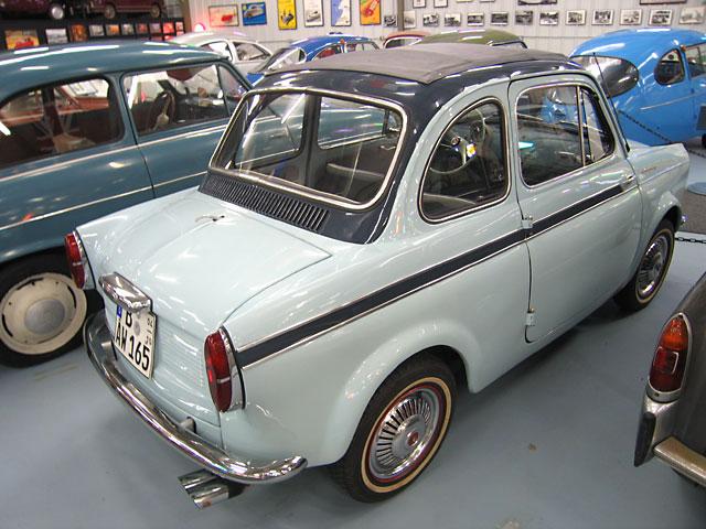 1960 NSU-Fiat Weinsberg 500 Limousette achterzijde Italië en D