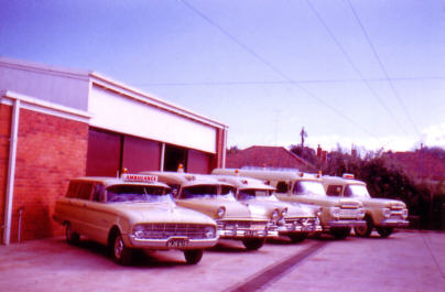 1960 Shepparton with 1961 XK Falcon, 2 Ford Mainlines and 2 1960 F-100s web 1961