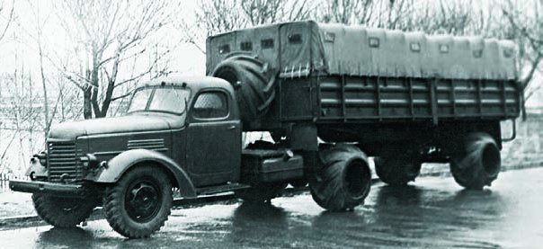 1960 ZIS-120N with vaulted tyres