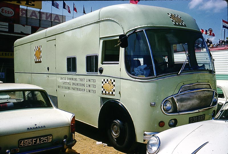 1961 Bedford SB Duple, body by Robsons