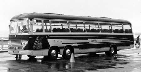 1963 Bedford Val14 Yeates C52F 390-GEW