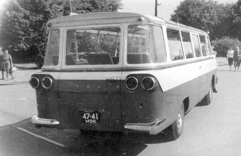 1964 Zil 118 back