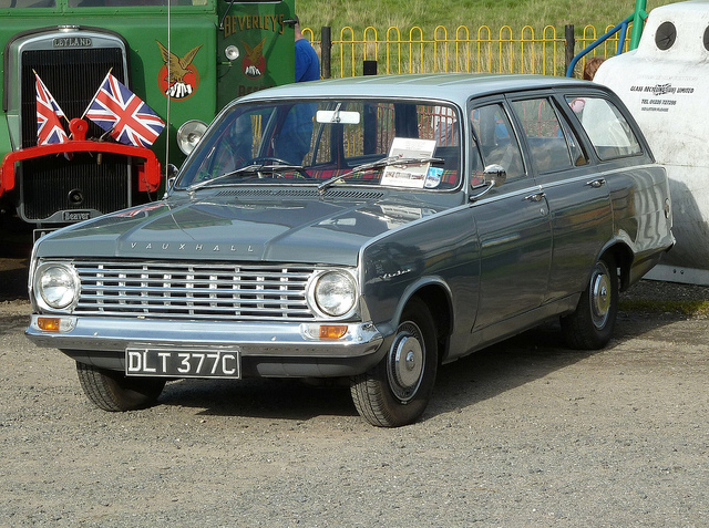 1965 Vauxhall Victor 101 Estate