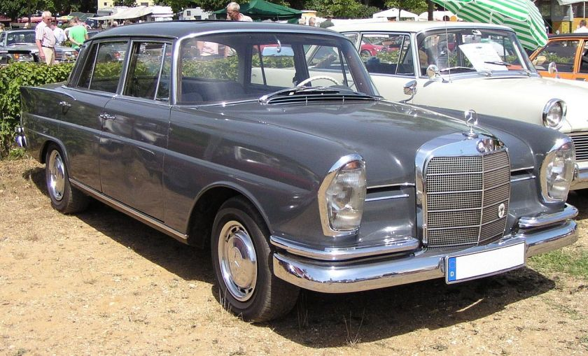 1968 220b Mercedes-Benz