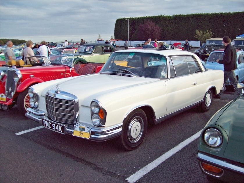 1968-72 Mercedes 280 SE Engine 3499 cc V8 O