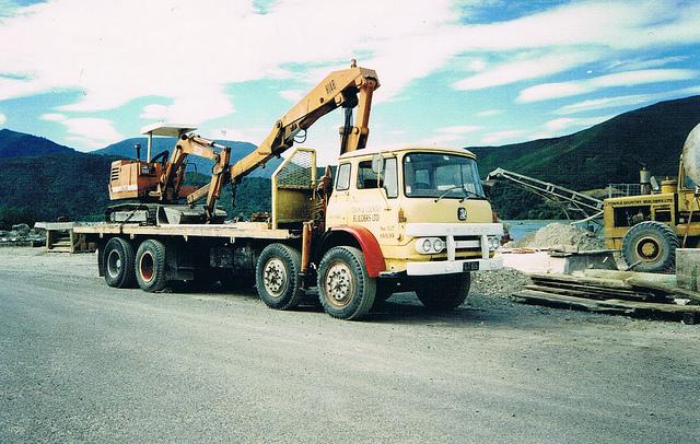 1968 Bedford KM 8x4 Crane