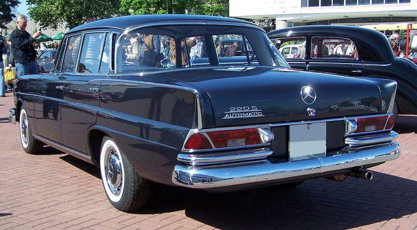 1968 Mercedes_W111_220SB_rear_MTP07