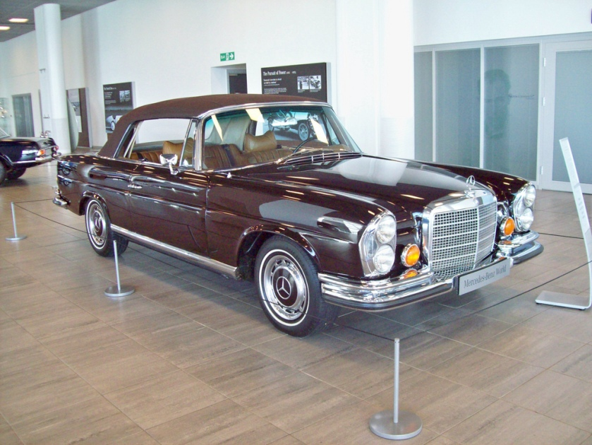 1969-71 Mercedes 280SE 3.5 Convertible Engine 3499cc V8