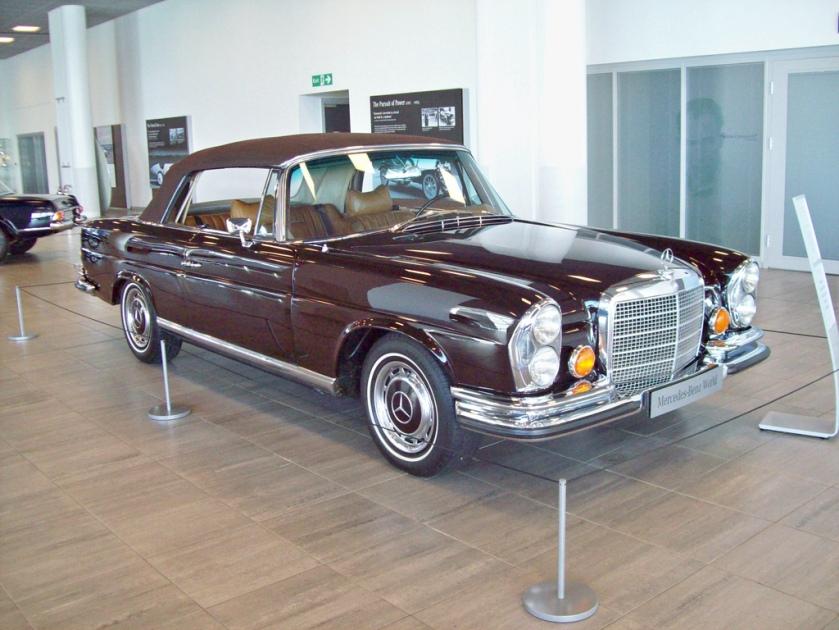 1969-71 Mercedes 280SE 3.5 Convertible Engine 3499cc V8