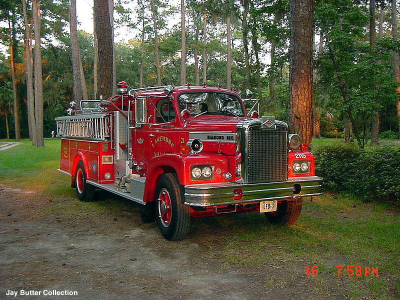 1969 Diamond Reo fire truck
