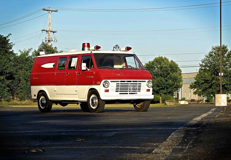 1969 Ford Econoline 300 Ambulance