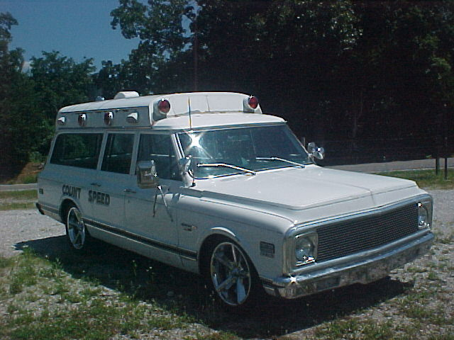1971 Suburban Ambulance-lowered