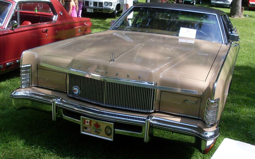 1974 Lincoln Continental Town Car