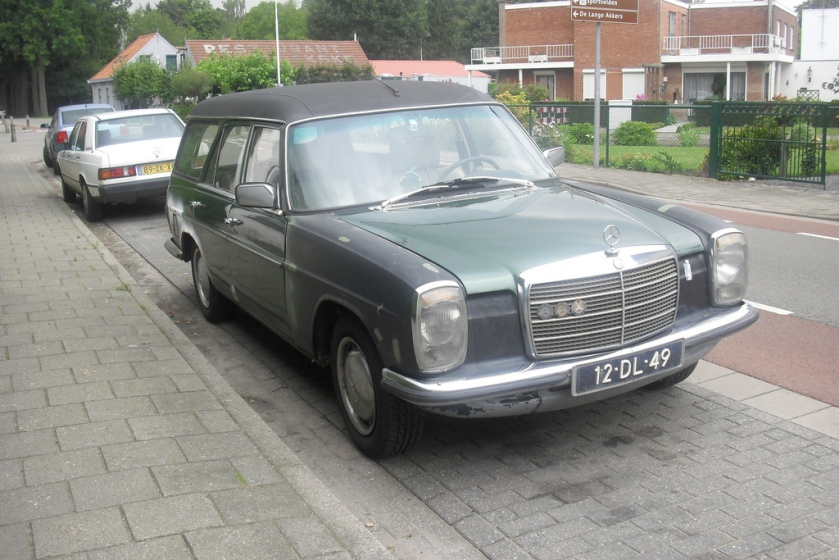 1975 Mercedes-Benz 220 D Kombi  12-DL-49