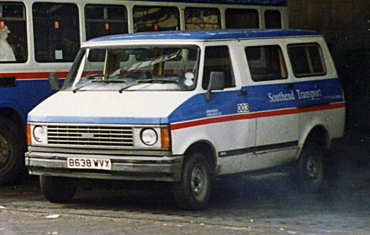1985 Bedford CF2 minivan