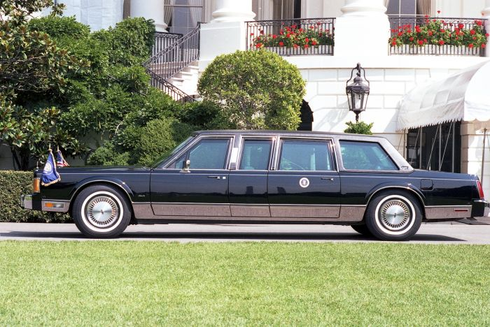 1989 Town Car state vehicle used by George H. W. Bush