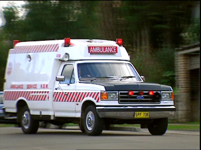 1992 Ford F-250 Ambulance by JAKAB