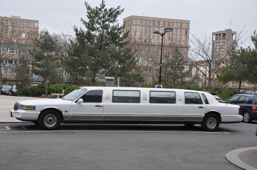 1995 Lincoln Town Car stretch limousine