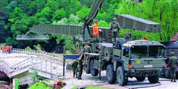 2001 ÖAF 32.403VFAEG (SX2000), 8x8 Bridge builder