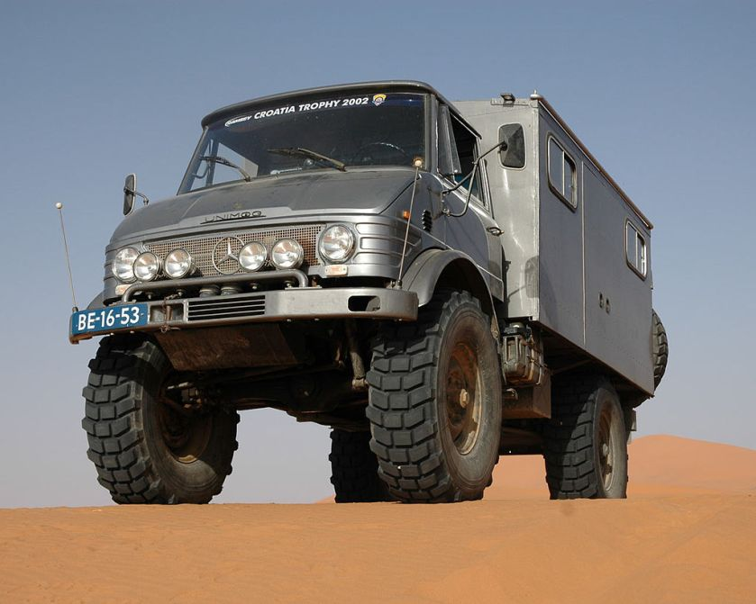 2002 Unimog, a famous allround vehicle by Mercedes-Benz S404-300TDI-erg-chebbi