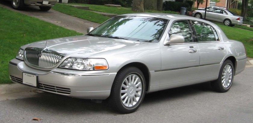 2003-07 Lincoln Town Car